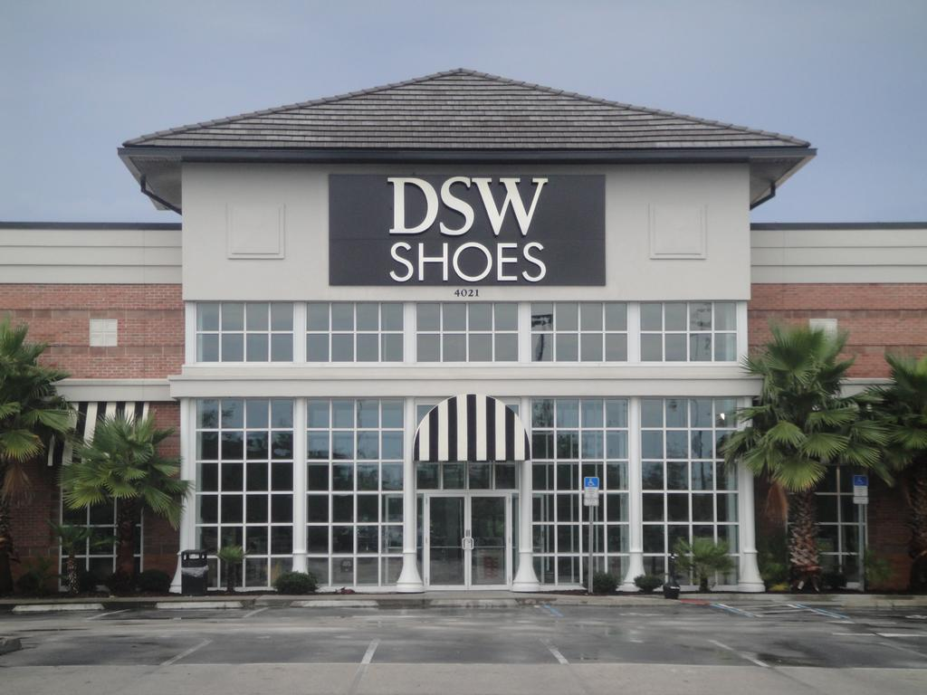 Dsw - Dsw Awards Autism Speaks With Grant Money New Shoe Lovers Care Leave Your Mark Program Fab Five Lifestyle