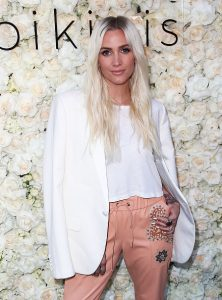 Singer Ashlee Simpson Ross wore jewelry by Jared Lehr