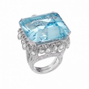 Rihanna, Aquamarine Diamond Ring Moment