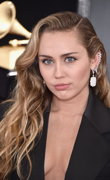 MILEY CYRUS WEARS LOREE RODKIN JEWELRY
