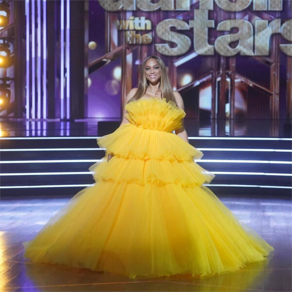 tyra banks yellow dress