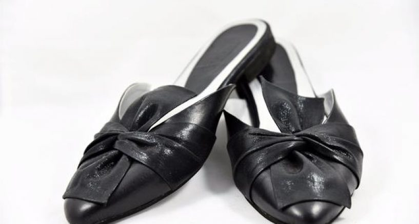 "Holiday Must Have ""Bow Down"" Black Point-Toe Mule Flats"