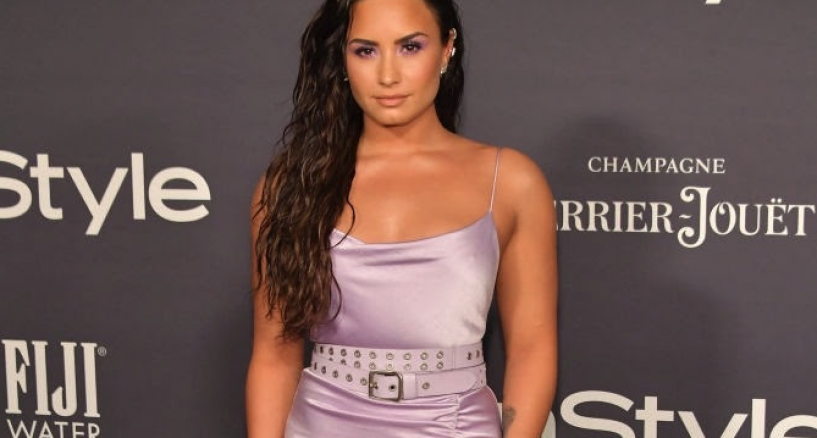 Demi Lovato Red Carpet InStyle Awards 2017 Pink Dress Style