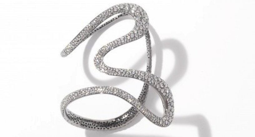 Anne Hathaway, The Diamond Cuff Created By Antonini Aurea