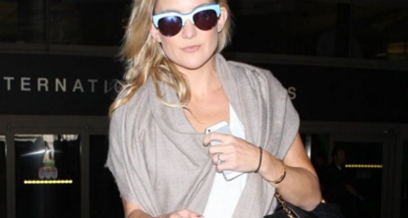 Kate Hudson Rocks A Pair of electric blue shades by Sunday Somewhere