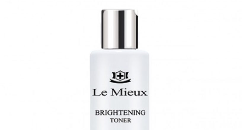 Le Mieux Brighting Toner help restore a radiant complexion