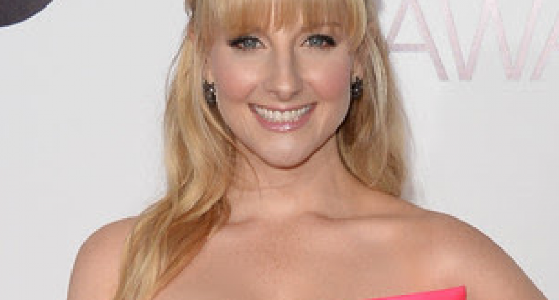 Melissa Rauch Rocks Le Vian black diamond ring at the 40th Annual