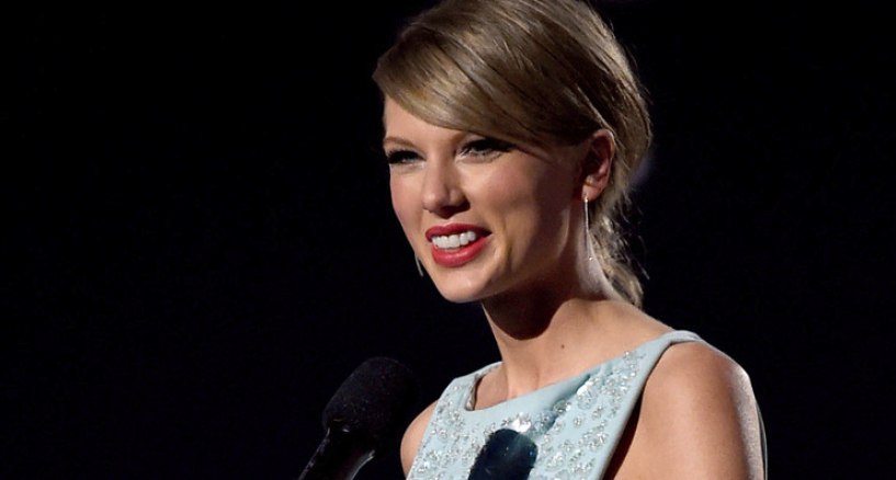 Taylor Swift, Her Jewels At The Academy Of Country Music Awards