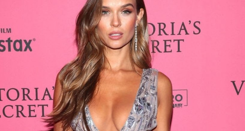 Josephine Skriver, Victoria's Secret Fashion Show After Party Red Carpet diamond ring