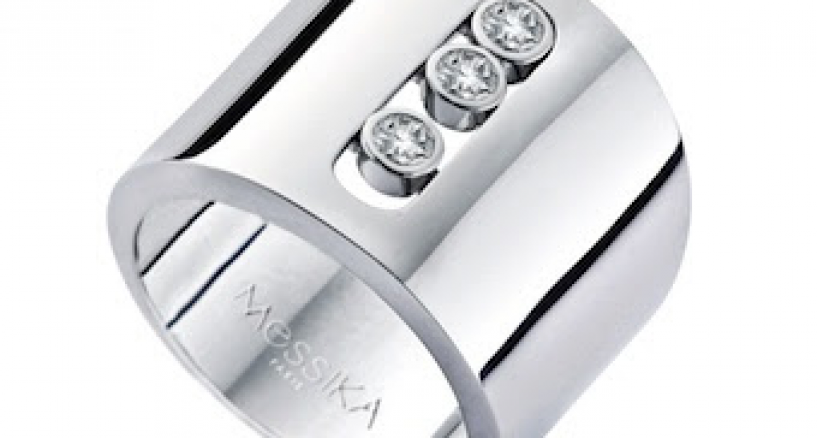 "Jennifer Lopez ""American Idol"" Style In Messika white gold diamond ring"